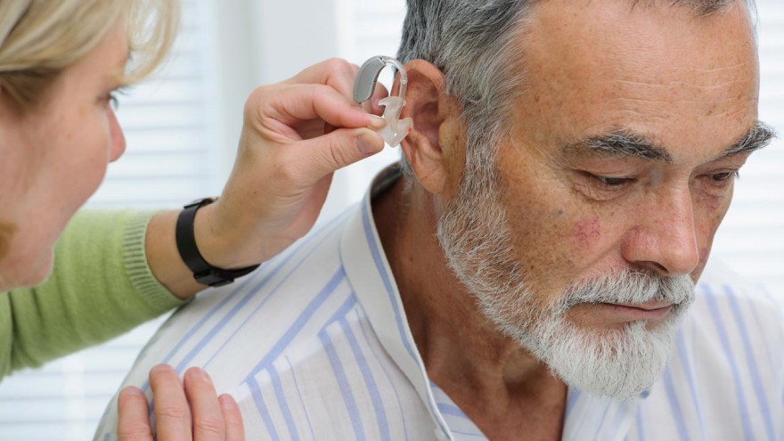 Best Way to Maintain Your Hearing Aid's Performance
